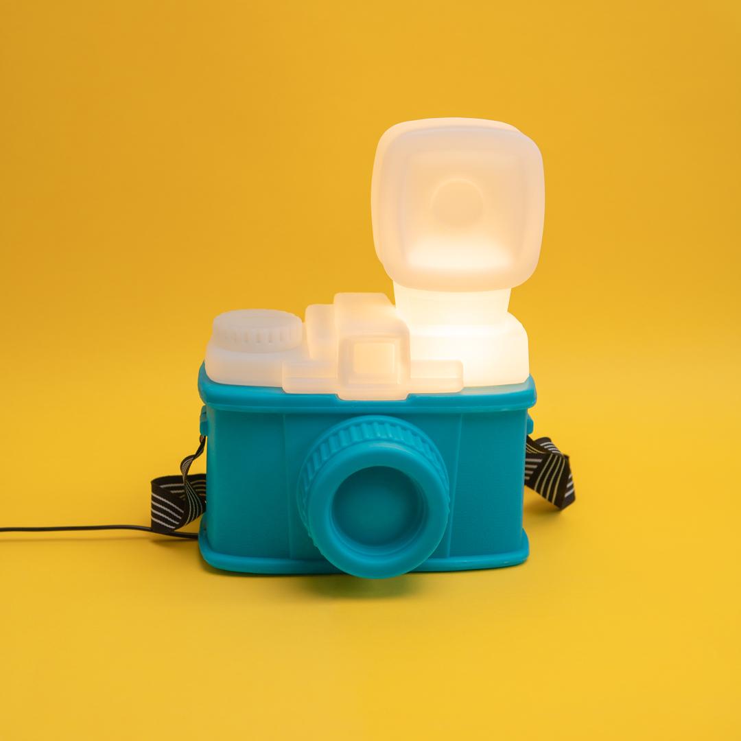 Luminárias com clima retrô câmera fotográfica lomo
